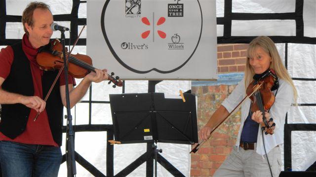 Fiddlers Two on Stage DSCN2700