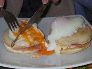 Big Break - Eggs Benedict at Cafe Sez