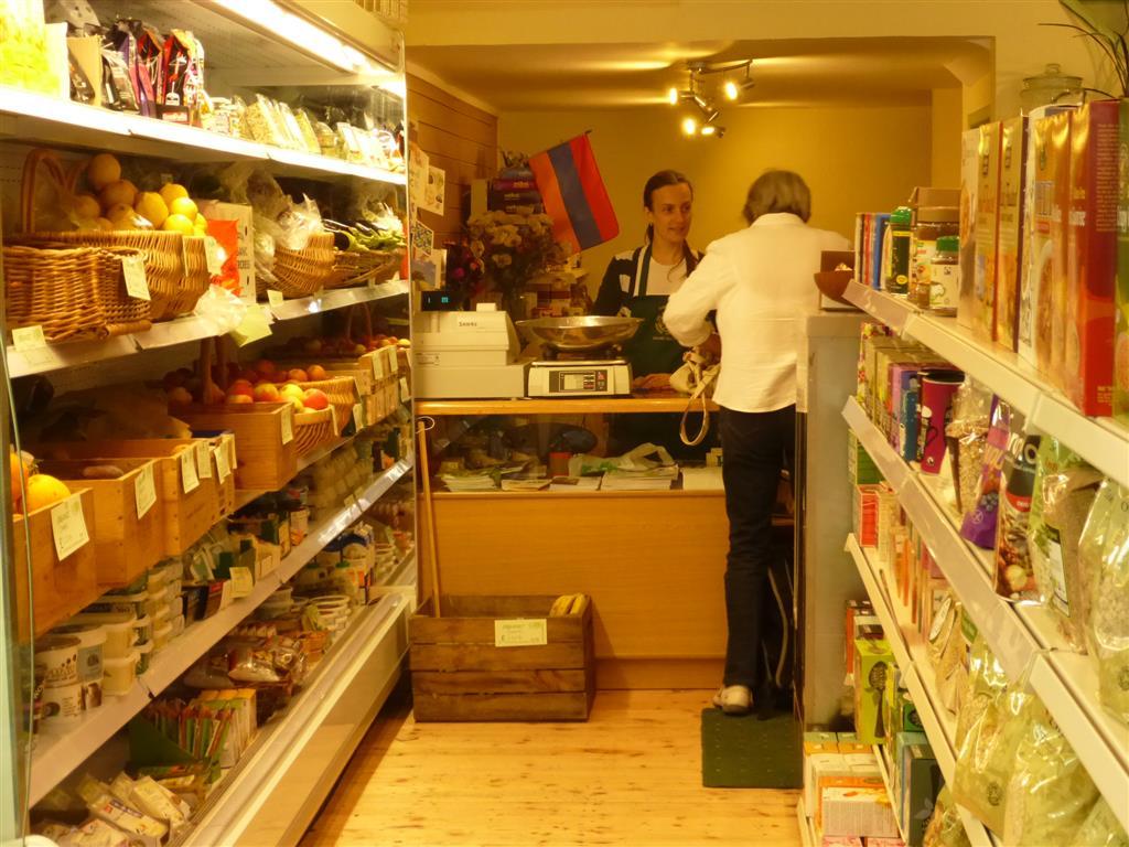 Handley Organics new shop July 2014 P1010448